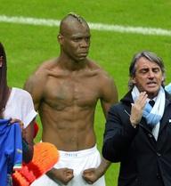 """Tin dữ cho bóng đá: Balotelli hết """"điên"""", muốn làm """"trai ngoan"""""""