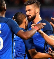 """""""Vận đen 10.000 ngày"""" khiến Pháp thua đau trận khai mạc?"""