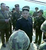 """""""Kim Jong-un quá trẻ và bốc đồng"""""""