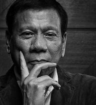 Duterte học chính sách đối ngoại của tiền nhiệm: Lợi bất cập hại?