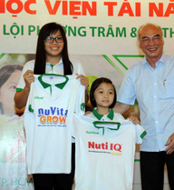 Gia đình tay bơi Phương Trâm ra tối hậu thư cho thể thao TP.HCM