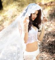 Bộ ảnh nóng bỏng của hotgirl phố núi Gia Lai có vòng eo 56