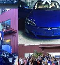Nhân viên góp tiền mua xe đời mới tặng sếp để tri ân nghĩa cử đẹp của người lãnh đạo