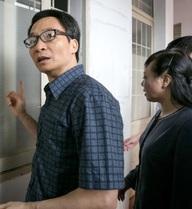 Phó Thủ tướng bất ngờ kiểm tra trạm y tế xã đóng cửa
