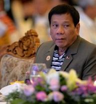 """Ông Duterte lại văng tục, mắng châu Âu """"đạo đức giả"""""""