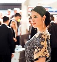 Lý Nhã Kỳ mặc kín đáo sau nghi vấn bị lộ ngực ở Cannes