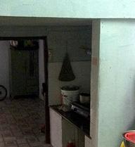 Mâu thuẫn vì dùng bếp không xin phép, người phụ nữ bị hàng xóm đâm