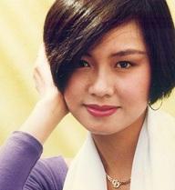 """Cuộc sống bí ẩn của Á hậu cao 1m60 khiến Hoa hậu Diệu Hoa """"lép vế"""""""