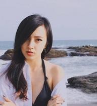 """Chân dung của hot girl gốc Việt xinh đẹp đang là """"ẩn số"""" trên mạng xã hội"""