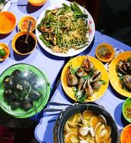 """Quán ốc không có menu, đồng giá 20k """"miễn phí"""" đủ thứ ở Sài Gòn"""