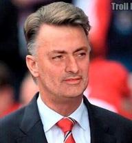 Cư dân mạng đua nhau chế ảnh Pogba và Mourinho
