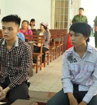 Xét xử 2 thanh niên cướp bánh mì: Tòa tuyên án từ 8 - 10 tháng tù