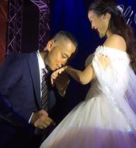 Bí mật trong đám cưới Chí Anh: Áo dát vàng 6000 USD, siêu xe 7 tỷ và...