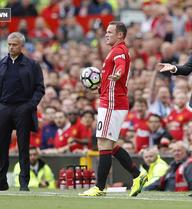 Tranh cãi: Man United lẽ ra đã có 2 quả penalty?