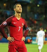 """Ai là kẻ làm Ronaldo """"tịt ngòi""""?"""