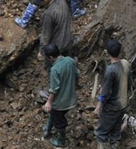 Sập hầm vàng ở Lào Cai: công bố danh tính 7 công nhân bị chết