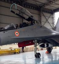 """Hãy cứ thế bạn tốt Ấn Độ nhé! Máy bay, tàu chiến, tên lửa """"xịn"""" luôn sẵn khi VN cần!"""