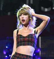 Hình ảnh trong sáng của Taylor Swift đang bị hủy hoại