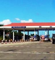 """Dân """"tố"""" trạm thu phí quốc lộ 1A đặt không hợp lý, Bộ GTVT nói gì?"""