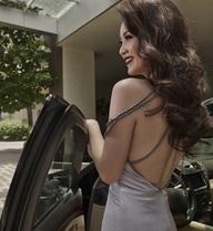 Hoa hậu, người mẫu, ca sĩ nổi tiếng... ồ ạt tấn công bất động sản