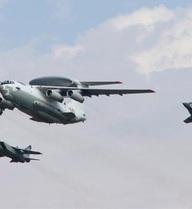 Tiêm kích Su-27 cũng tự dưng tàng hình