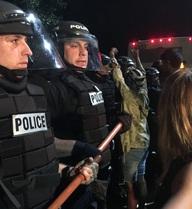 Cảnh sát Mỹ giết nhầm người, biểu tình phản đối bùng nổ