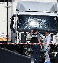 Xác định danh tính thủ phạm tấn công đẫm máu tại Pháp