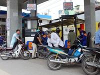 'Tăng giá xăng dầu do giá bán hiện đang dưới mức giá cơ sở'