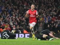 Không có chuyện Arsenal hỏi mua Rooney