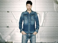Bí quyết diện jeans của Beckham