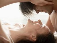 Khám phá thú vị về nụ hôn và tình dục