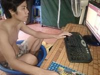 """Những kiểu chống chọi với nắng nóng """"cực độc"""" của người Việt Nam"""