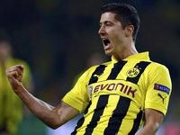 Sốc: Dính chấn thương, Cris Ronaldo nhịn đau đá với Dortmund