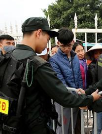 Lực lượng cảnh sát tinh nhuệ được bố trí bảo vệ 3.200 CĐV Malaysia tại sân Mỹ Đình