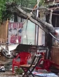 Xe khách mất lái tông vào bàn nhậu khiến 2 người chết, một người nguy kịch