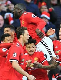 Lukaku rực sáng, Mourinho hạ Chelsea bằng sự dũng cảm hiếm thấy