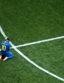 Kiên cường đến tận phút cuối cùng, Costa Rica khiến Neymar khóc như trẻ con khi hết trận