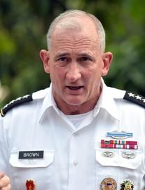 Tướng Mỹ thăm đền Hai Bà Trưng, cam kết hợp tác cùng Việt Nam bảo đảm quyền tự do hàng hải