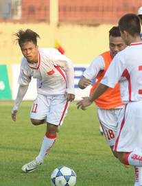 TRỰC TIẾP U19 Việt Nam 1-1 U19 Myanmar: Tiểu Công Phượng lập công cho chủ nhà