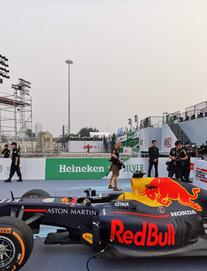 """Box TV TRỰC TIẾP """"Khởi động F1 Việt Nam GP 2020"""": Quái thú F1 """"quẩy"""" tung đường đua thử"""