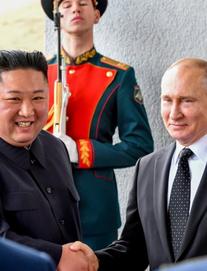 Cuộc gặp lịch sử giữa Tổng thống Nga Vladimir Putin và nhà lãnh đạo Triều Tiên Kim Jong Un