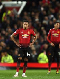 """""""Chú quỷ nhỏ"""" của Sir Alex lắc đầu, Man United hai tay dâng chức vô địch cho Man City"""