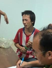 Phóng viên vô tình giáp mặt nghi phạm thảm án Bình Dương trong đêm trước giờ hắn bị bắt