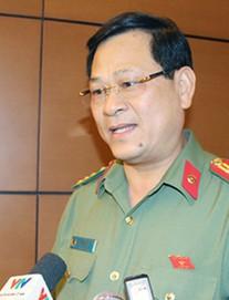 """Giám đốc CA tỉnh Nghệ An: """"Tụt quần, phanh áo trẻ em ra để nhìn có phải hành vi dâm ô không?"""""""
