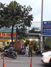 Khám nhà doanh nhân gọi giang hồ vây xe chở công an ở Đồng Nai