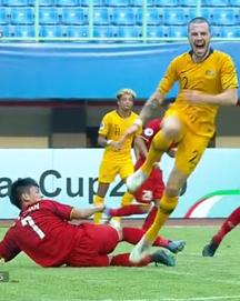 TRỰC TIẾP Việt Nam 1-2 Australia: Binh đoàn đỏ chính thức tan mộng World Cup