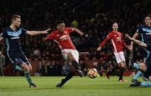 NÓNG: Martial lại căng thẳng với Mourinho