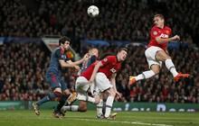 Đừng nghĩ đến Sir Alex, hiện giờ Man United chỉ cần Mourinho làm được như... David Moyes