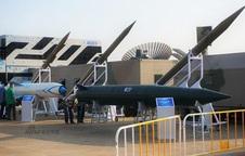 Trung Quốc tung ảnh tên lửa M20, Nga nghi sao chép Iskander