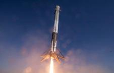 SpaceX gửi kem và giấy vệ sinh cho các phi hành gia trên trạm vũ trụ ISS